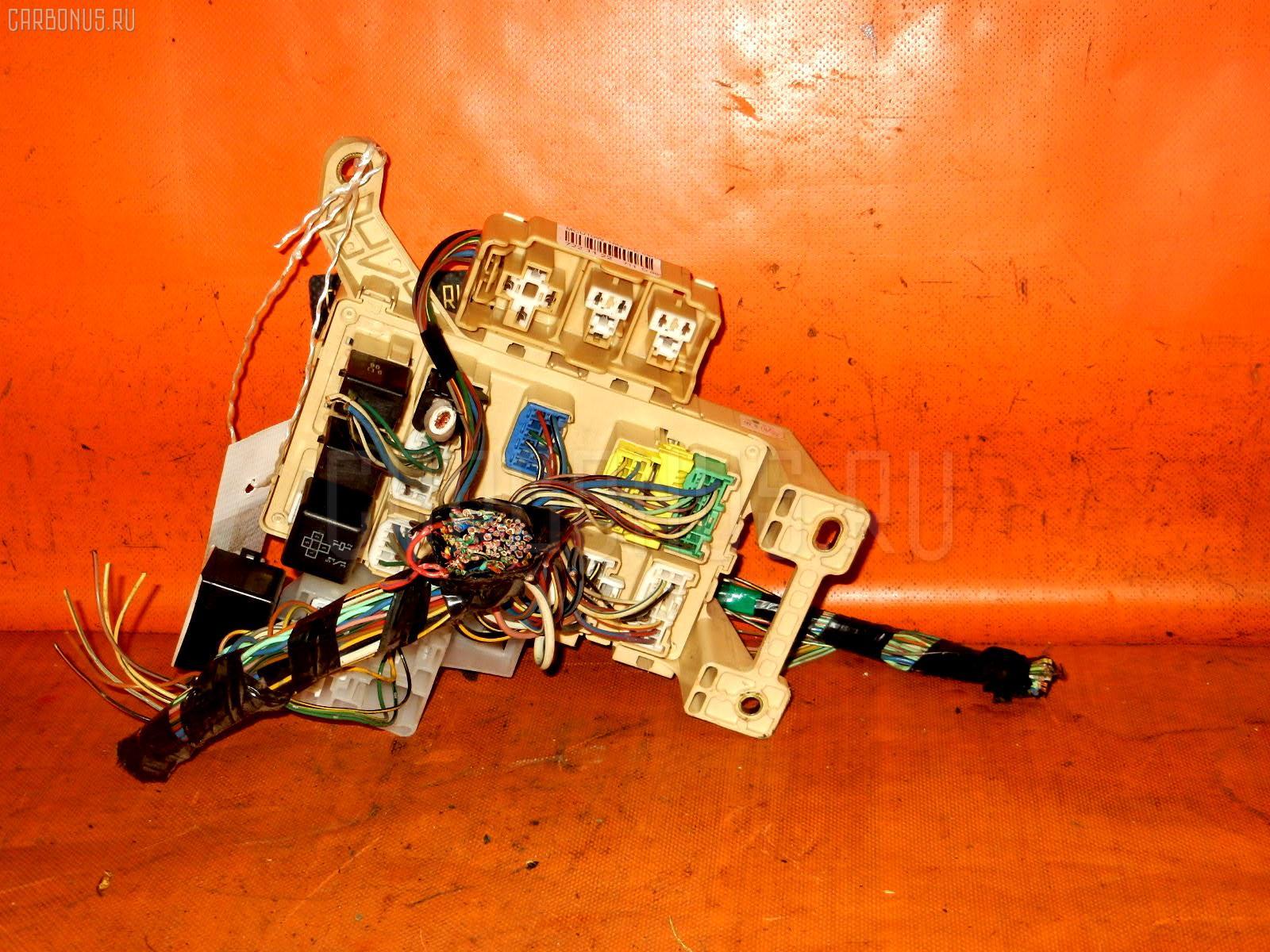 Блок предохранителей TOYOTA HARRIER MCU10W 1MZ-FE Фото 2