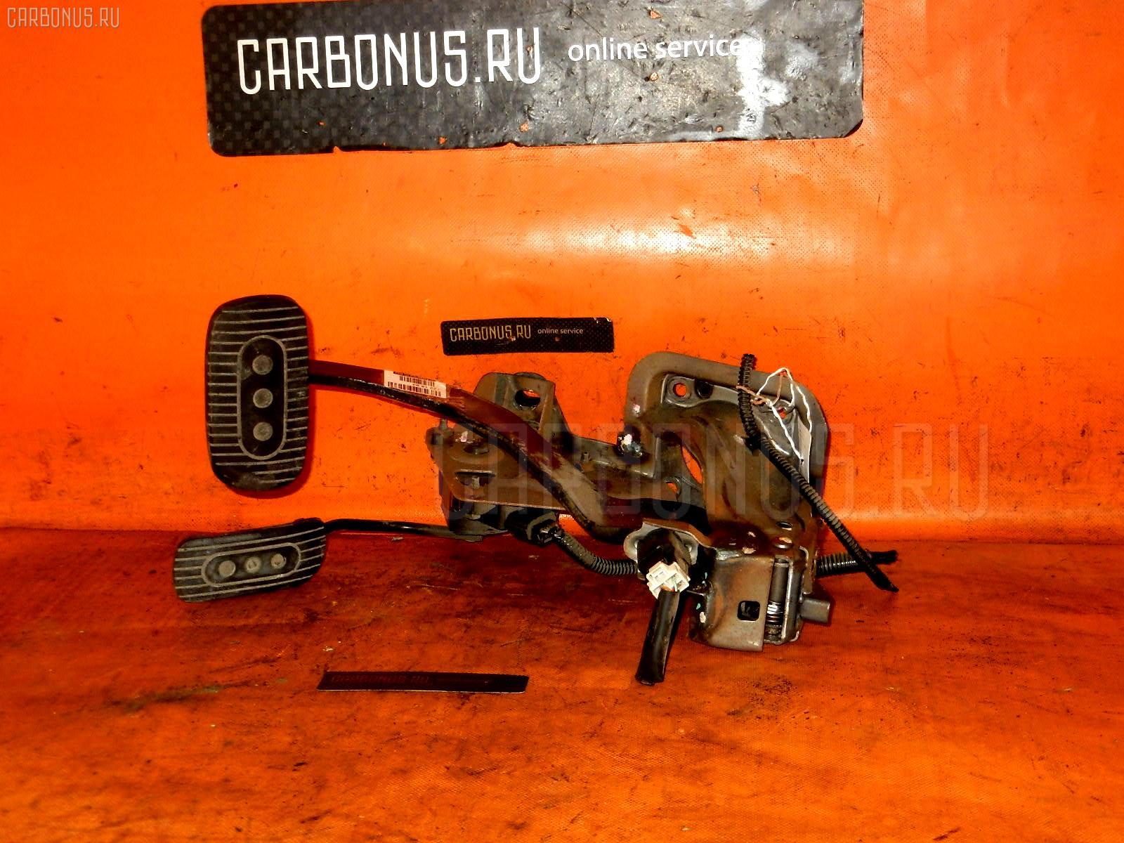 Педаль подачи топлива NISSAN TIIDA LATIO SC11 HR15DE Фото 1