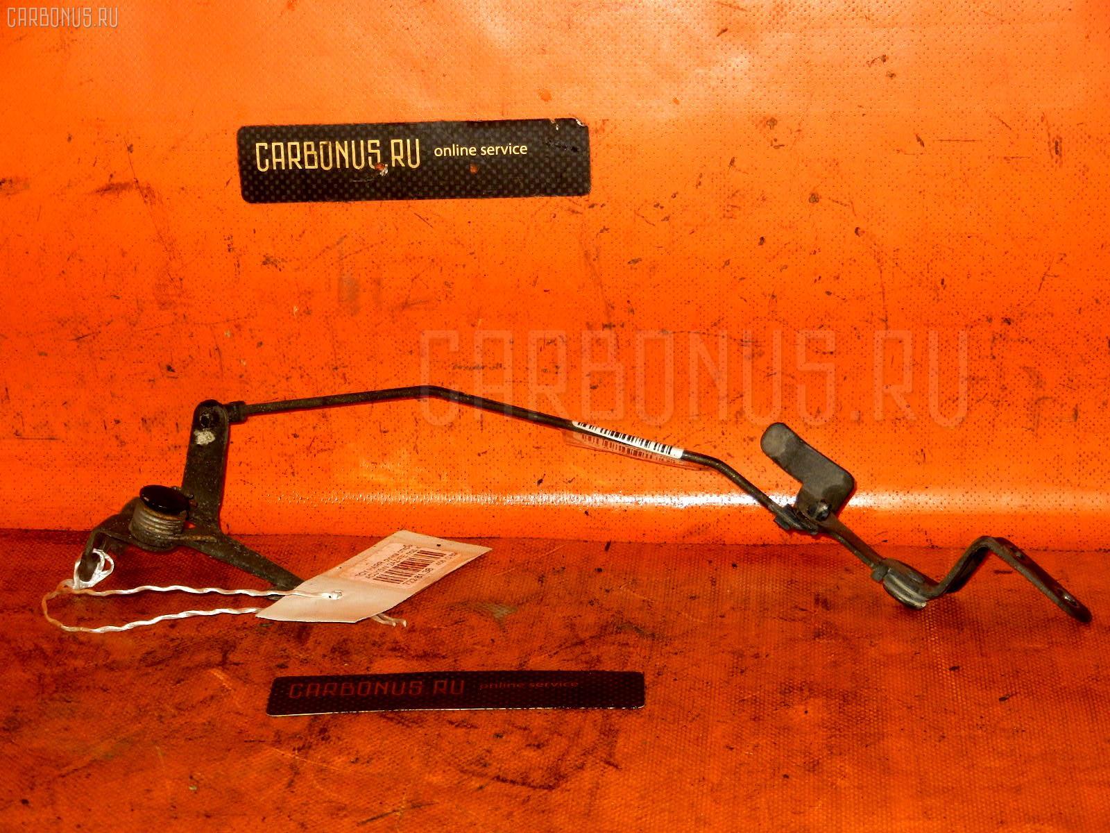 Ручка открывания капота TOYOTA HARRIER ACU15W 2AZ-FE Фото 1
