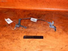 Ручка открывания капота TOYOTA HARRIER SXU10W 5S-FE Фото 1