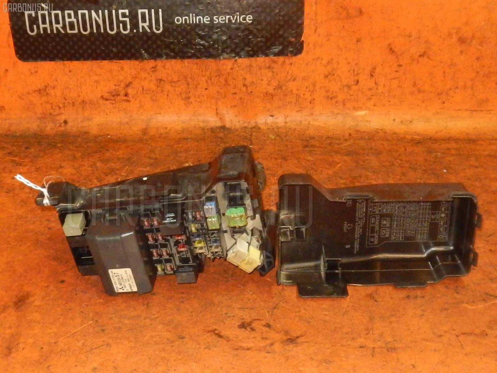 Блок предохранителей MITSUBISHI PAJERO V75W 6G74 Фото 1