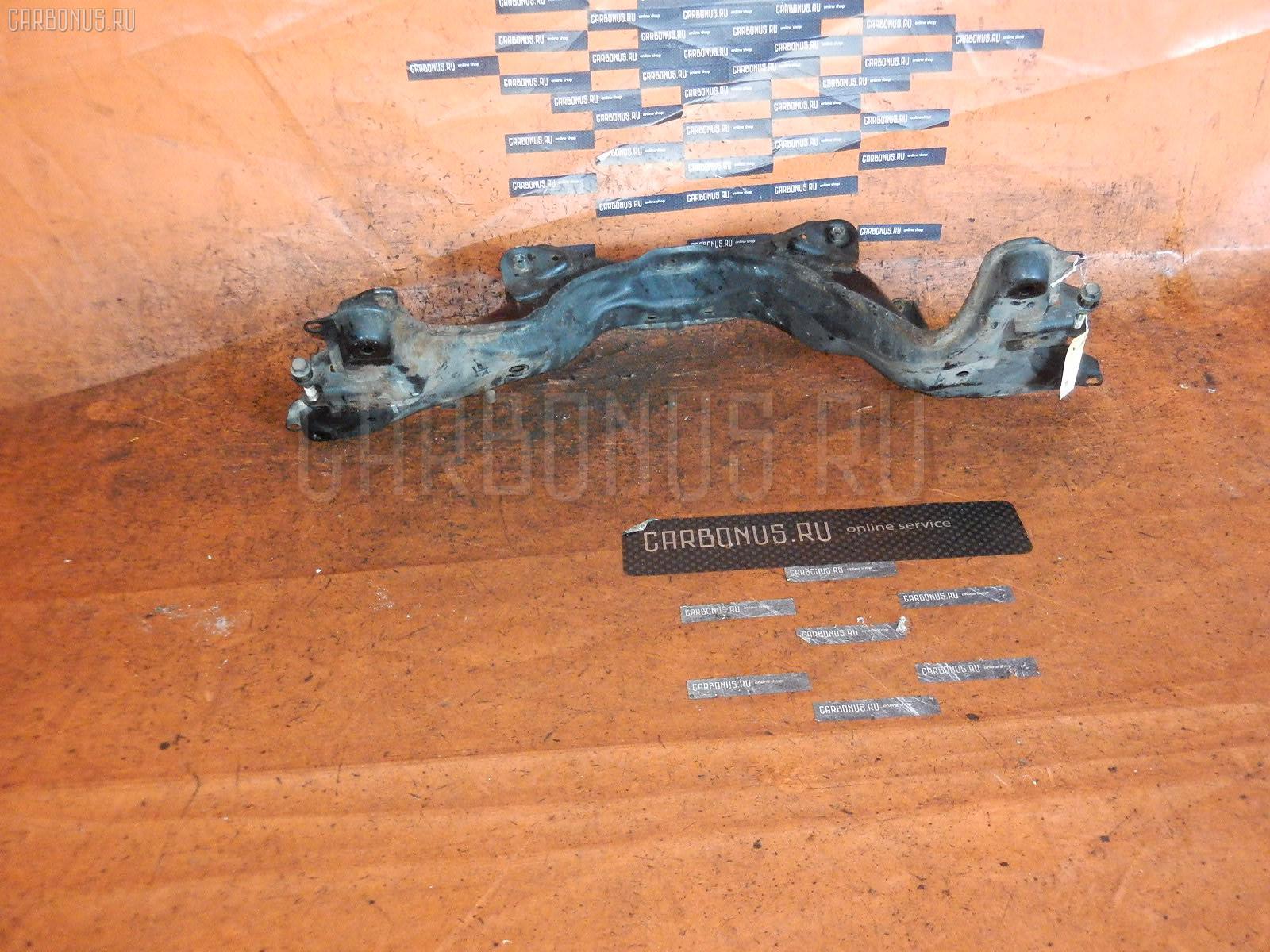 Балка подвески HONDA STREAM RN5 K20B Фото 1