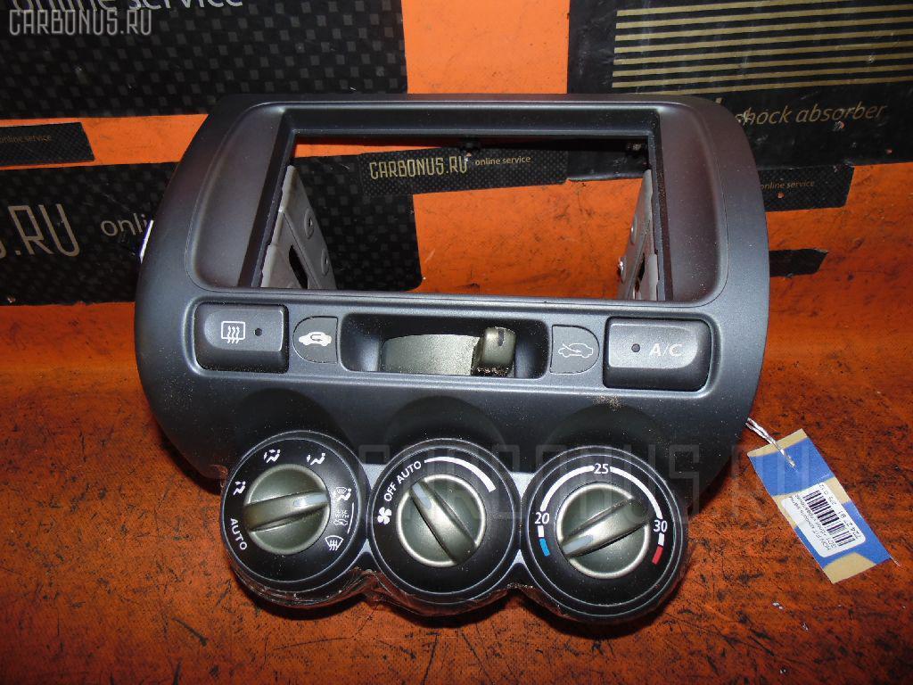 Консоль магнитофона HONDA FIT GD1. Фото 11
