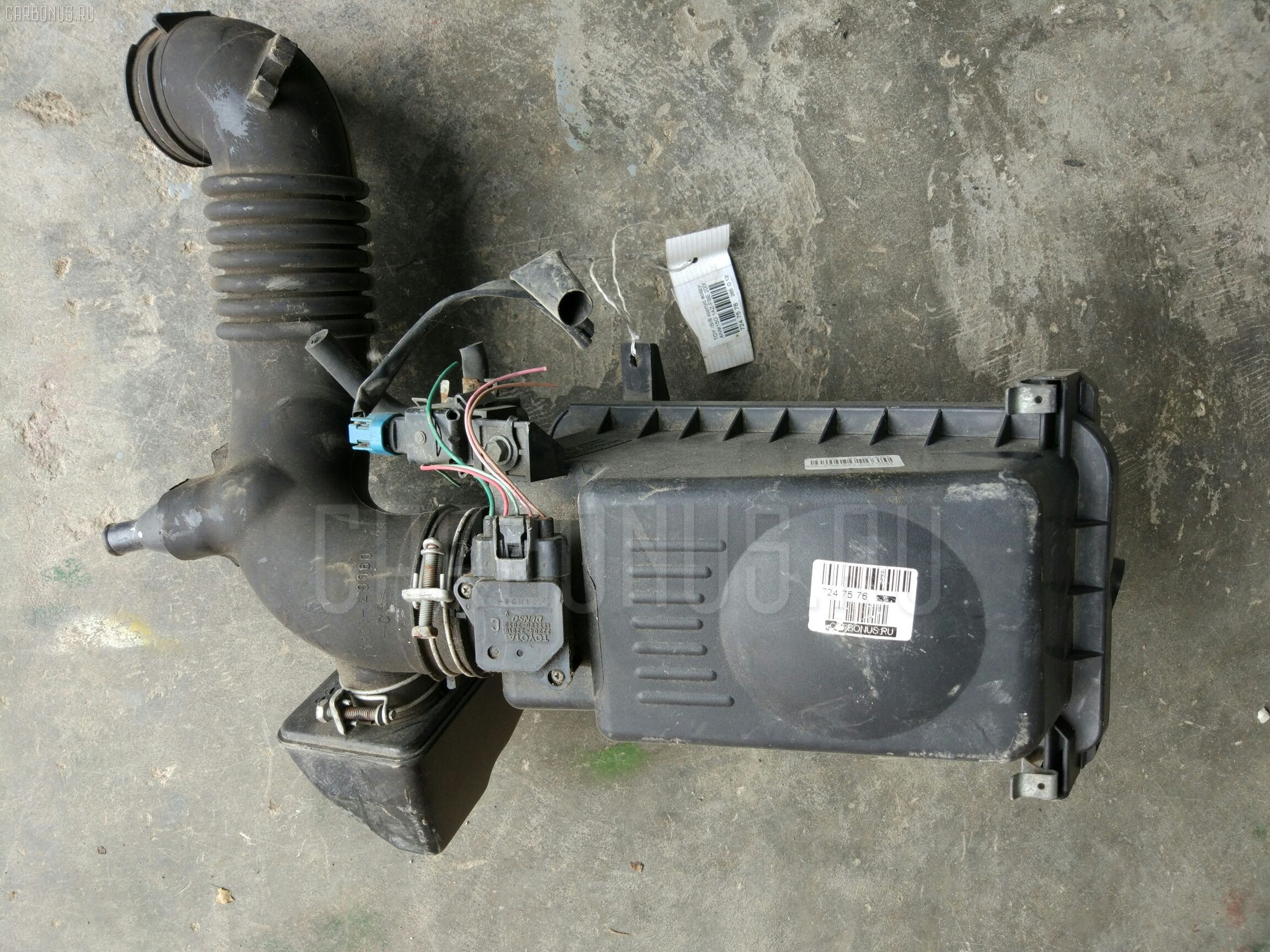 Корпус воздушного фильтра Toyota Isis ANM15G 1AZ-FSE Фото 1