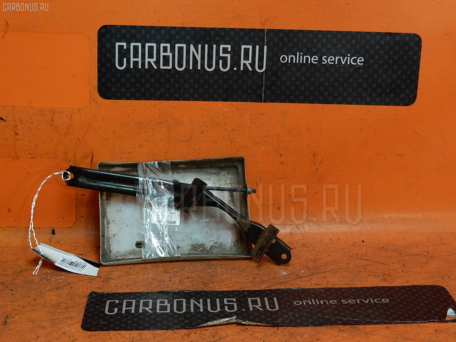 Подставка под аккумулятор Toyota Caldina AT211G Фото 1
