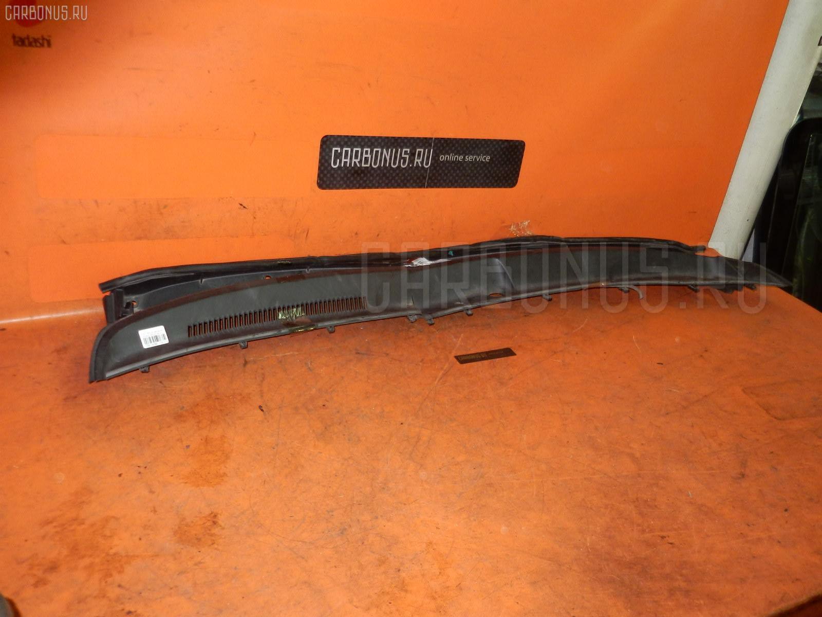 Решетка под лобовое стекло TOYOTA RAUM NCZ20 Фото 2