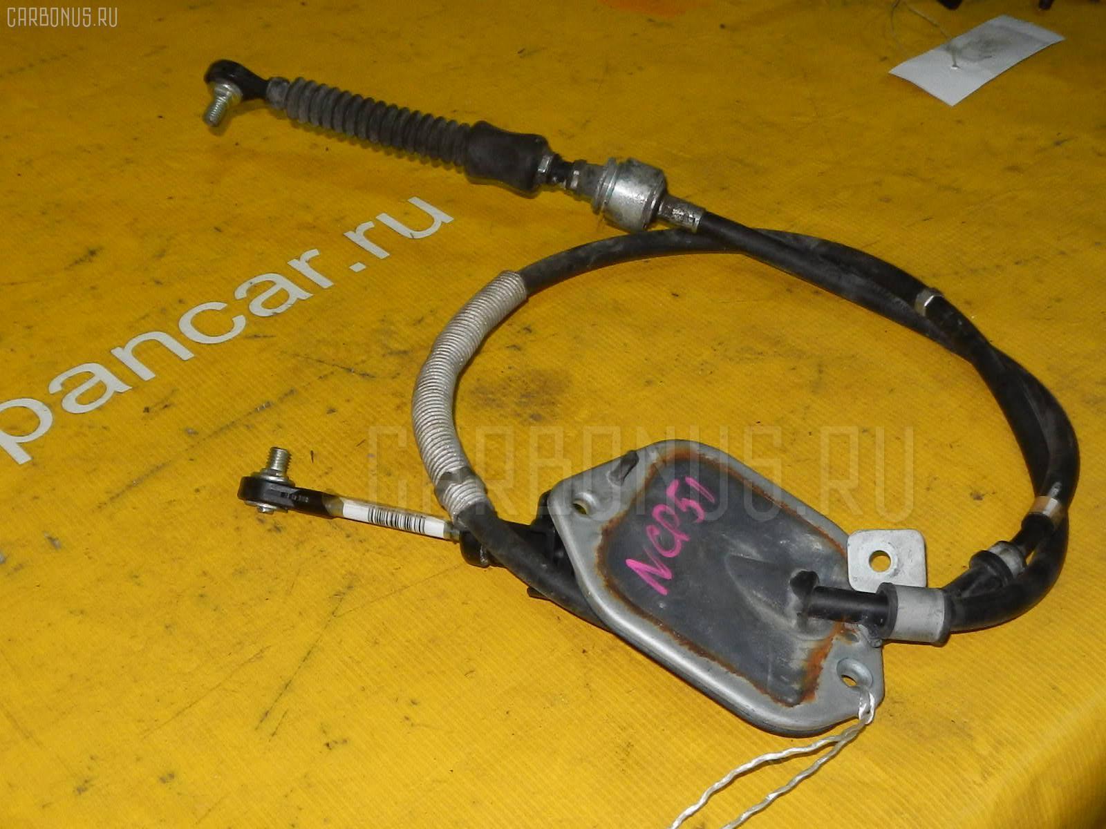 Тросик на коробку передач TOYOTA IST NCP61 1NZ-FE. Фото 2