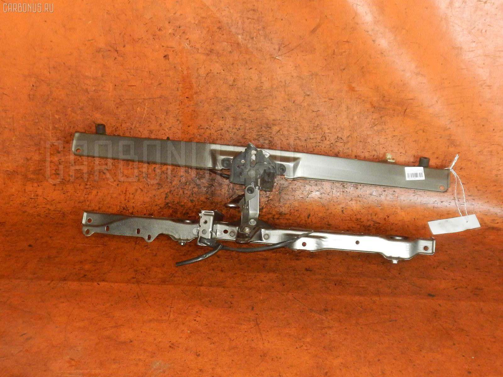 Планка телевизора 53205-52080, 53217-52020 на Toyota Porte NNP15 1NZ-FE Фото 1