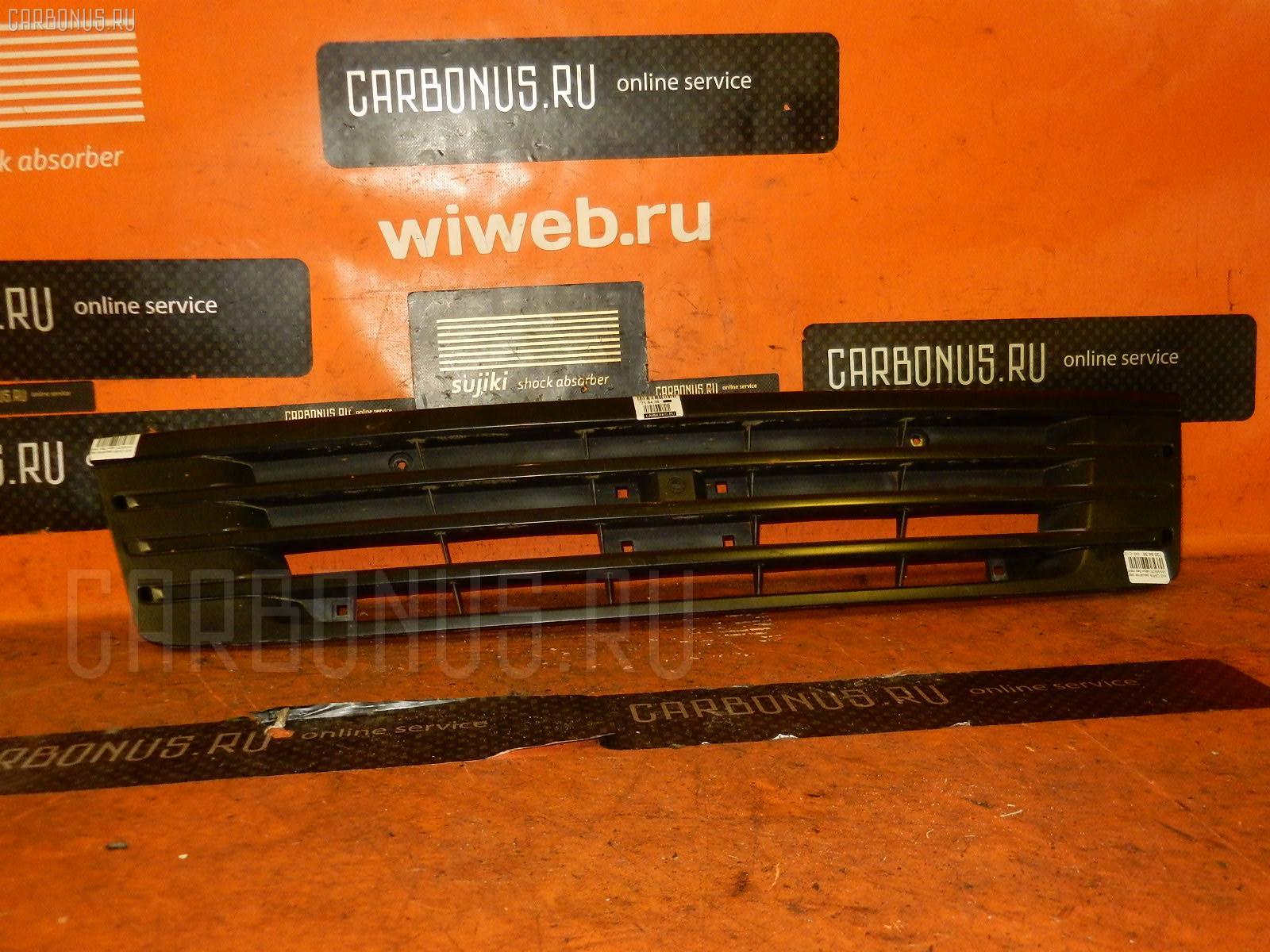 Решетка радиатора NISSAN CARAVAN VWME25 Фото 1