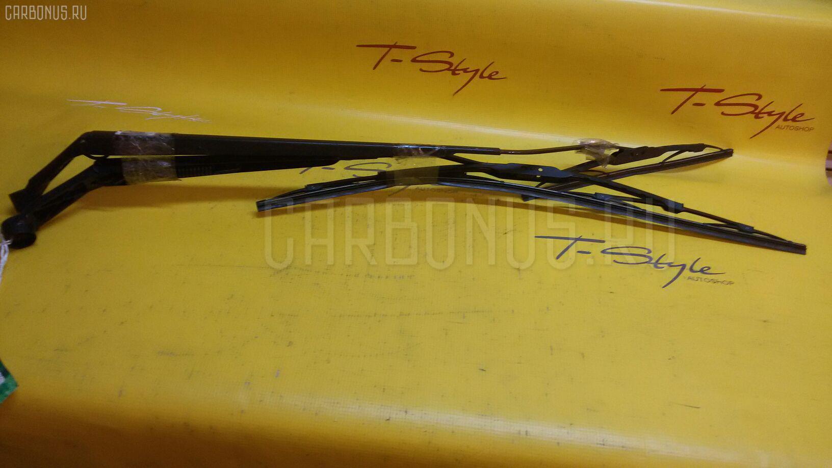 Держатель дворника Toyota Wish ZNE10G Фото 1