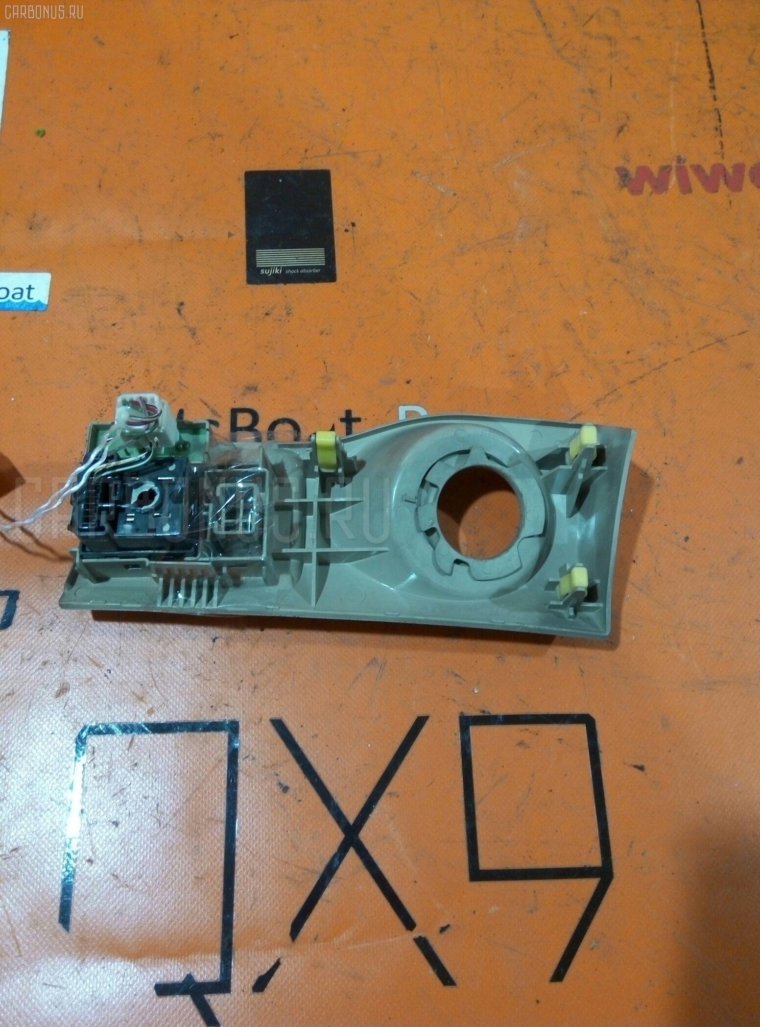 Блок управления зеркалами TOYOTA CROWN ESTATE JZS171W 1JZ-FSE. Фото 3