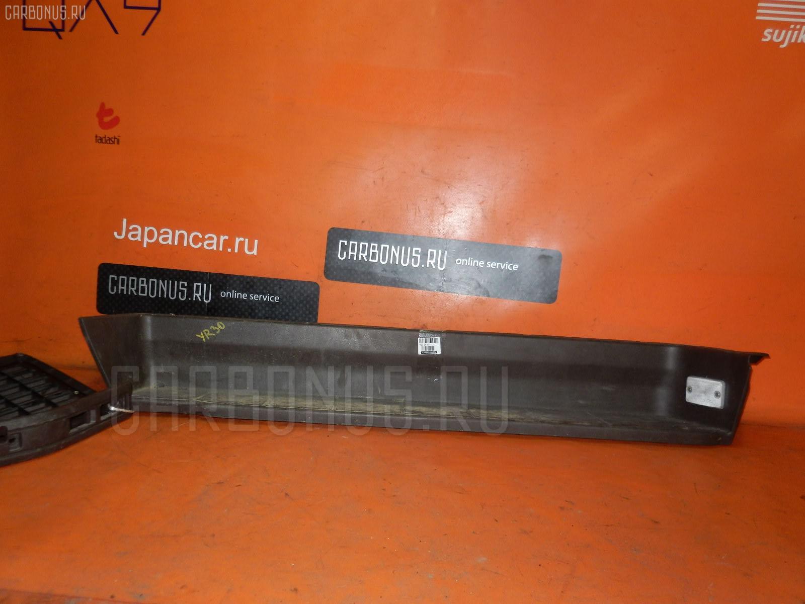Порог кузова пластиковый ( обвес ) TOYOTA MASTER ACE SURF YR30G Фото 1