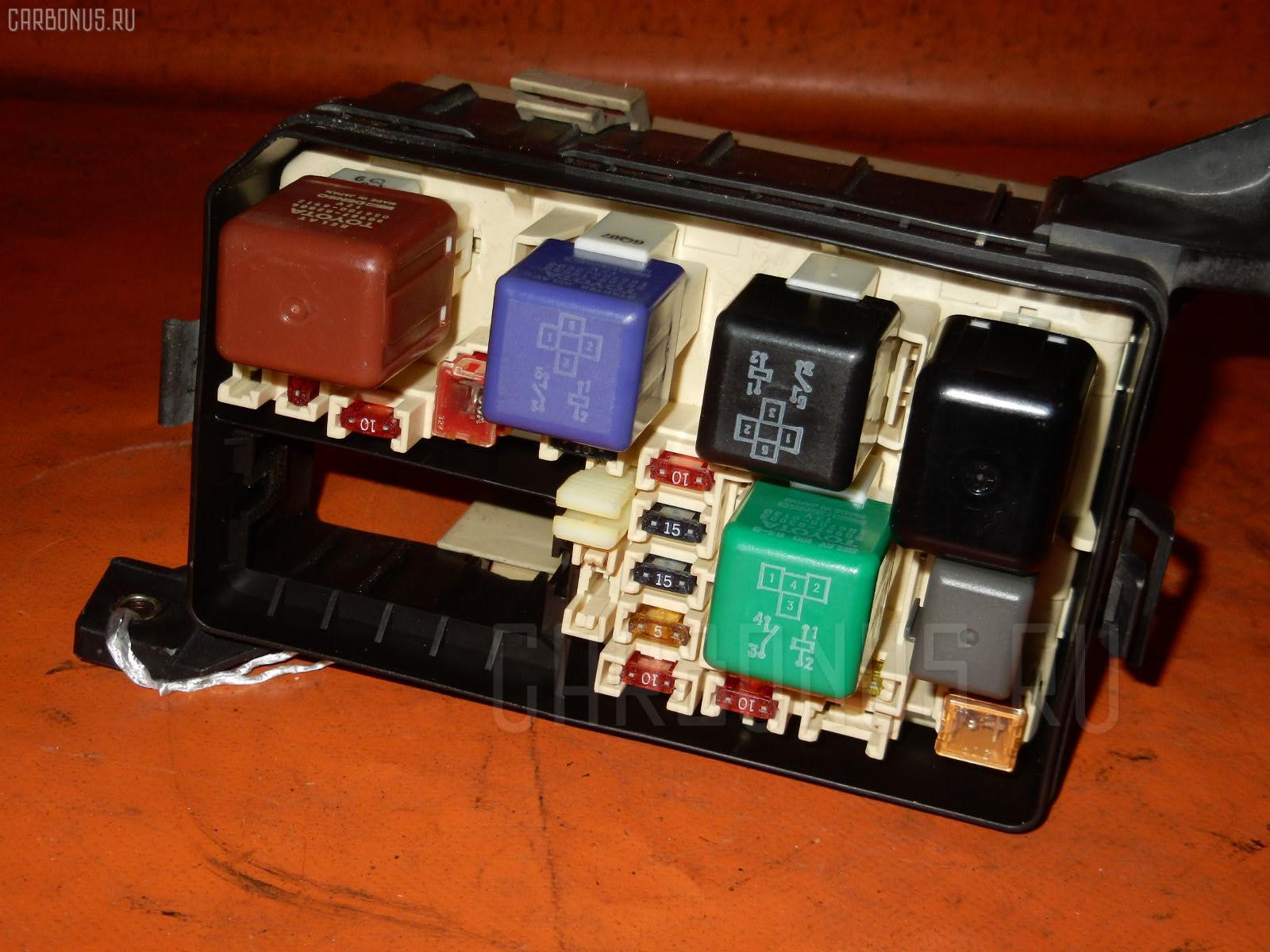 Блок предохранителей TOYOTA COROLLA AE110 5A-FE. Фото 7
