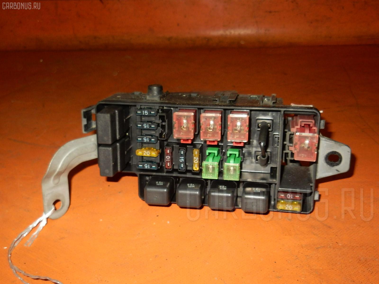 Блок предохранителей SUBARU LEGACY BD5 EJ20 Фото 1