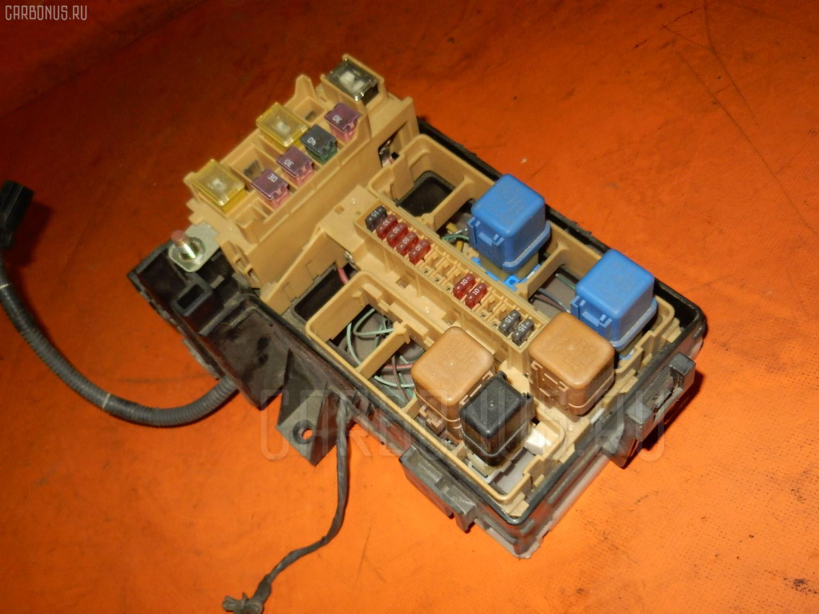 Блок предохранителей NISSAN LAUREL HC35 RB20DE. Фото 5