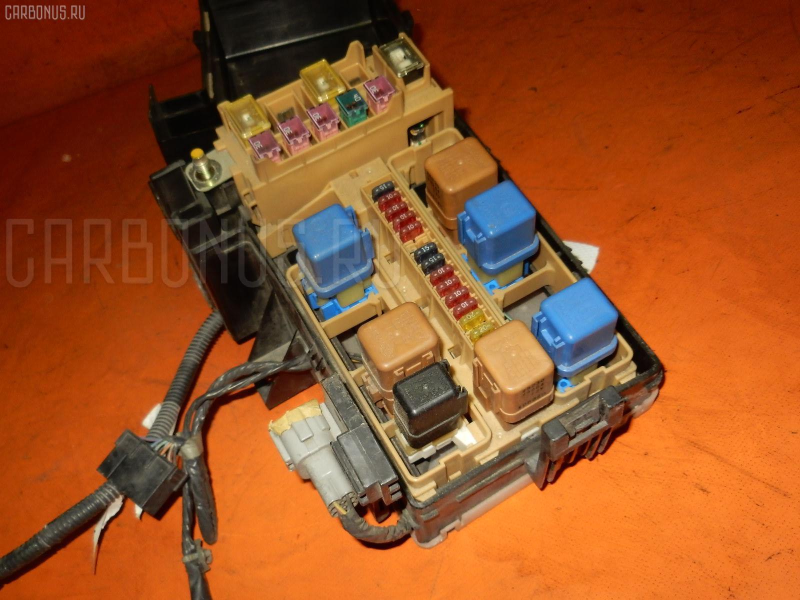 Блок предохранителей NISSAN LAUREL HC35 RB20DE. Фото 7