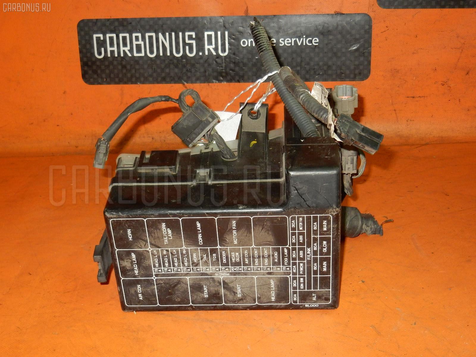 Блок предохранителей NISSAN LAUREL HC35 RB20DE. Фото 9