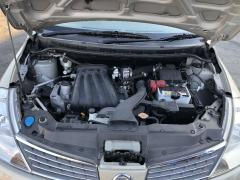 Решетка под лобовое стекло на Nissan Tiida Latio SC11 Фото 4