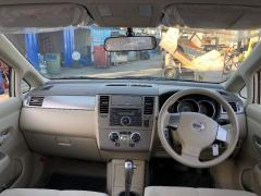 Решетка под лобовое стекло на Nissan Tiida Latio SC11 Фото 6