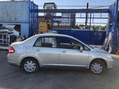Решетка под лобовое стекло на Nissan Tiida Latio SC11 Фото 8