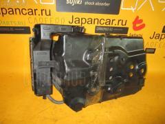 Подставка под аккумулятор NISSAN PRIMERA WAGON WTP12 Фото 2