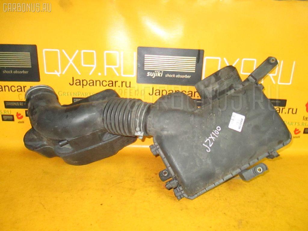 Корпус воздушного фильтра TOYOTA CRESTA JZX100 1JZ-GE. Фото 10