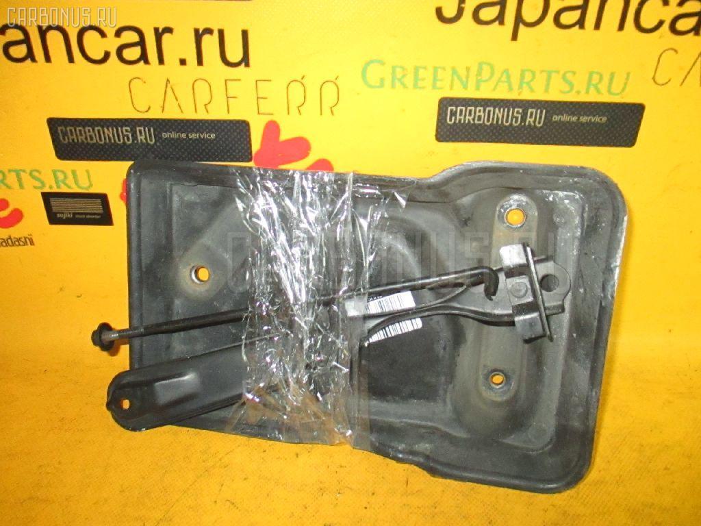 Подставка под аккумулятор TOYOTA CRESTA JZX100. Фото 4