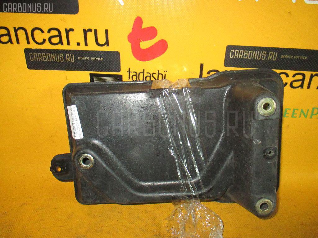 Подставка под аккумулятор TOYOTA CHASER JZX100. Фото 3