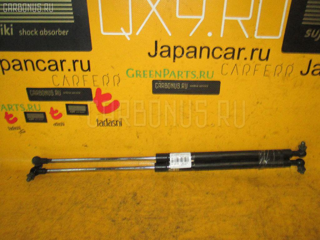 Амортизатор капота TOYOTA MARK II JZX110. Фото 7
