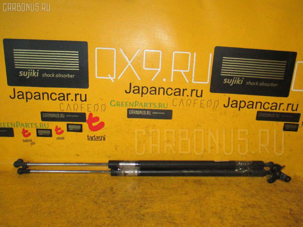 Амортизатор двери Honda Stream RN2 Фото 1