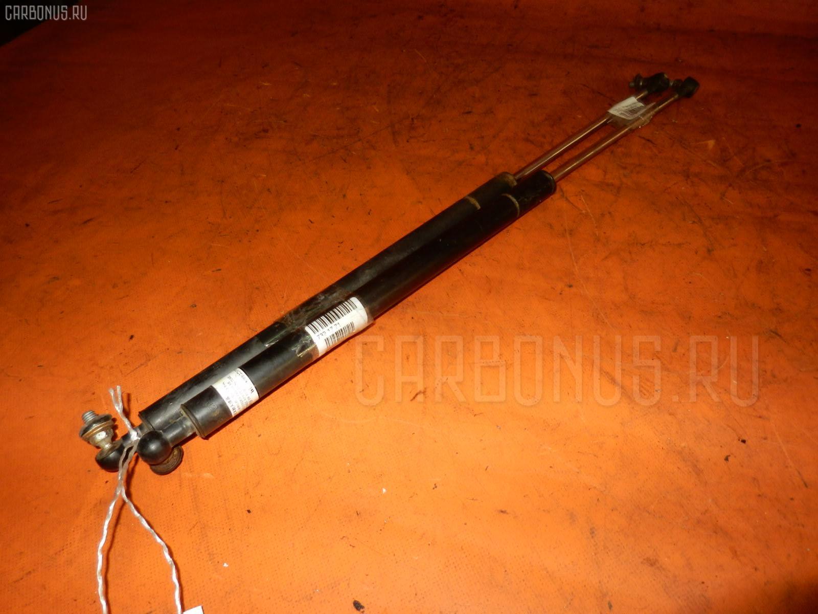 Амортизатор двери NISSAN AD WAGON VFY10 Фото 1