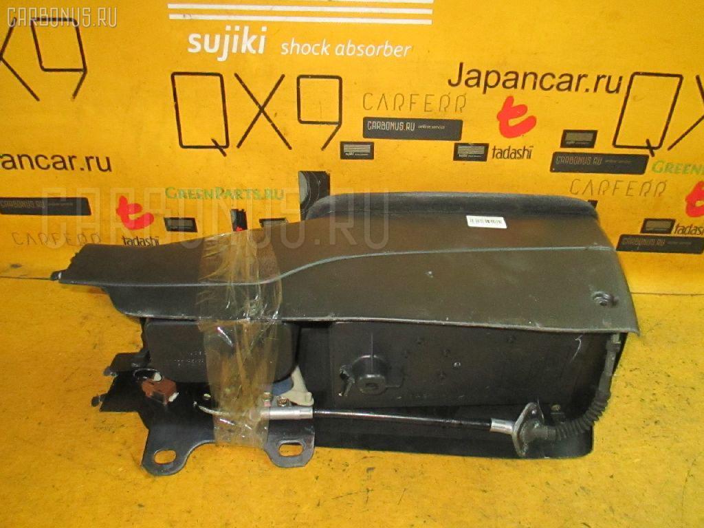 Бардачок TOYOTA JZX100. Фото 11