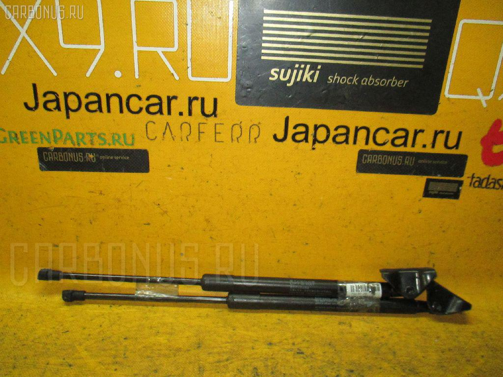 Амортизатор багажника TOYOTA VITZ KSP90 Фото 1