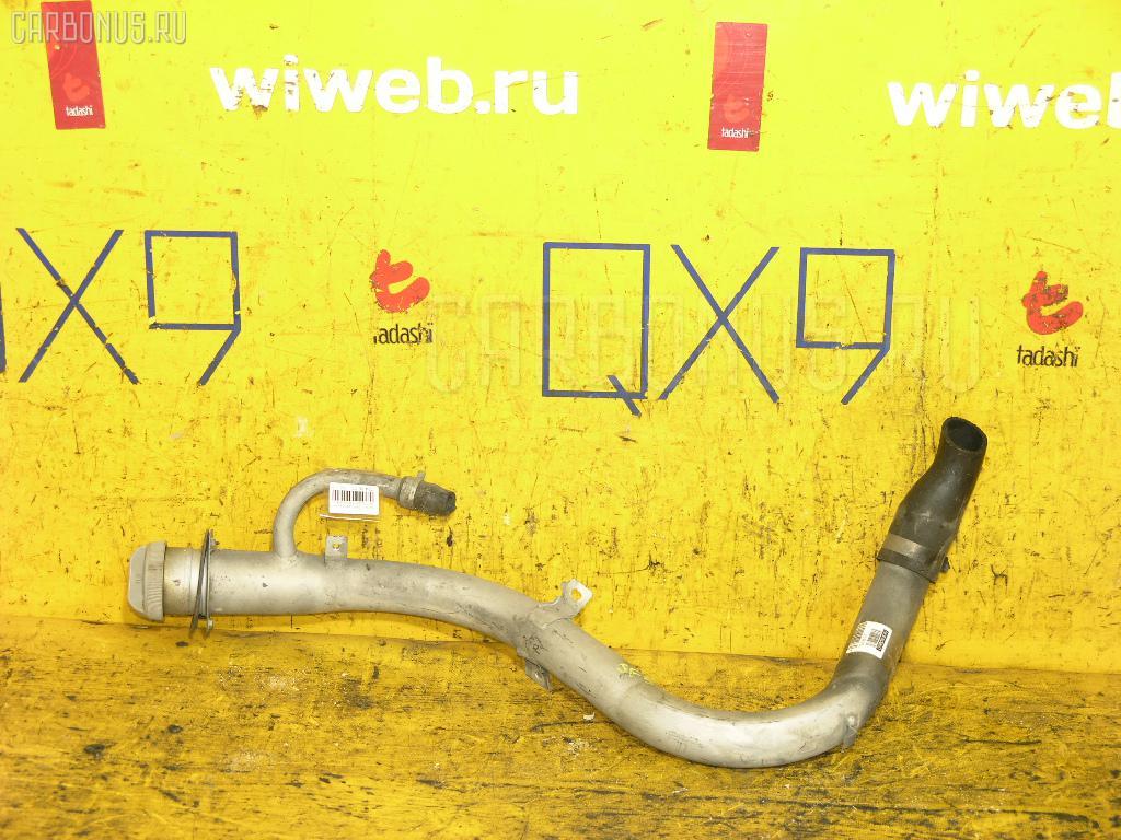 Заливная горловина топливного бака SUBARU FORESTER SF5 EJ20 Фото 1