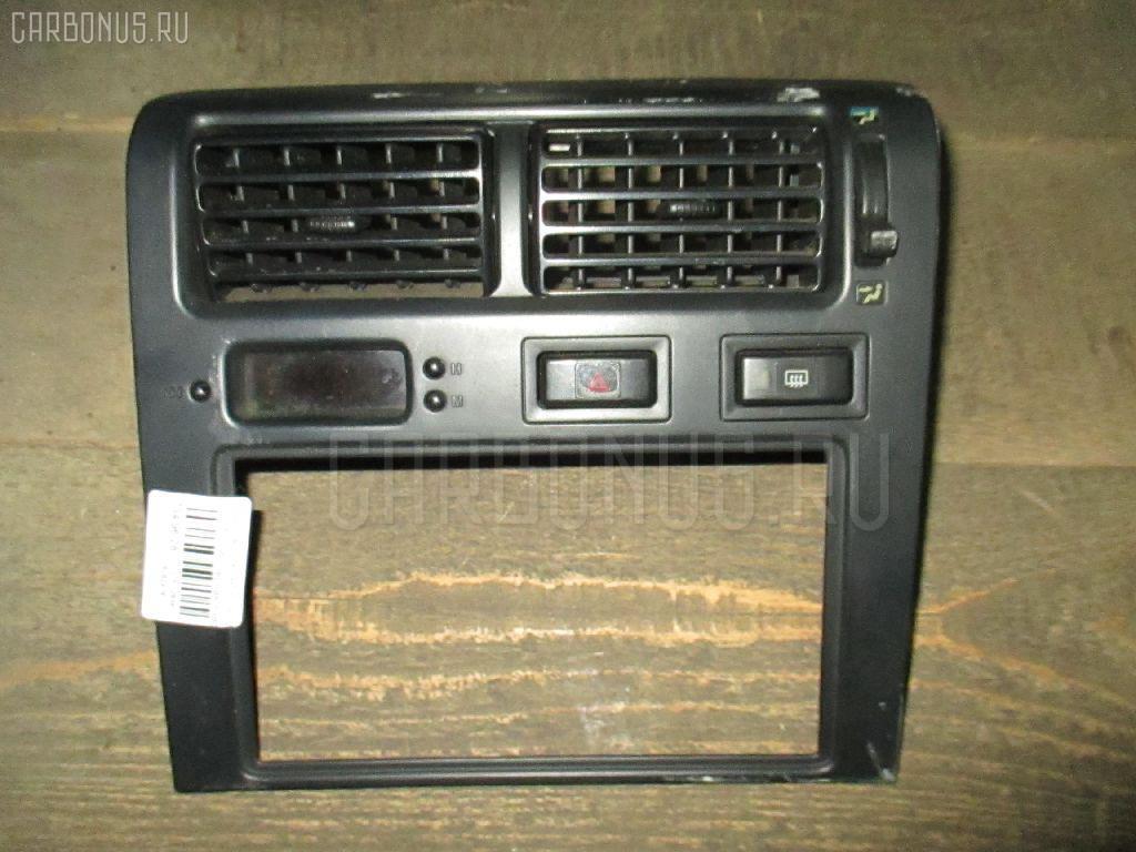 Консоль магнитофона Toyota Caldina ST195G Фото 1