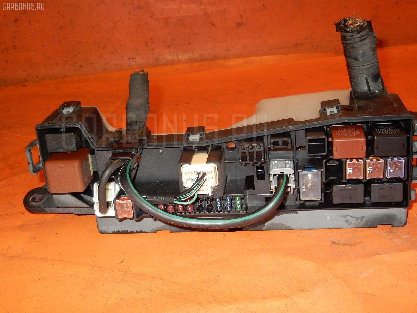 Блок предохранителей TOYOTA COROLLA RUNX NZE121 1NZ-FE Фото 2