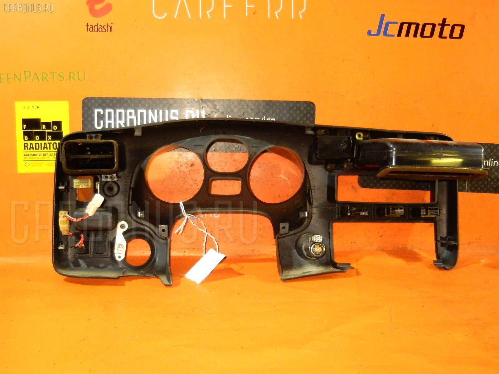 Консоль магнитофона TOYOTA RAV4 SXA11G Фото 1