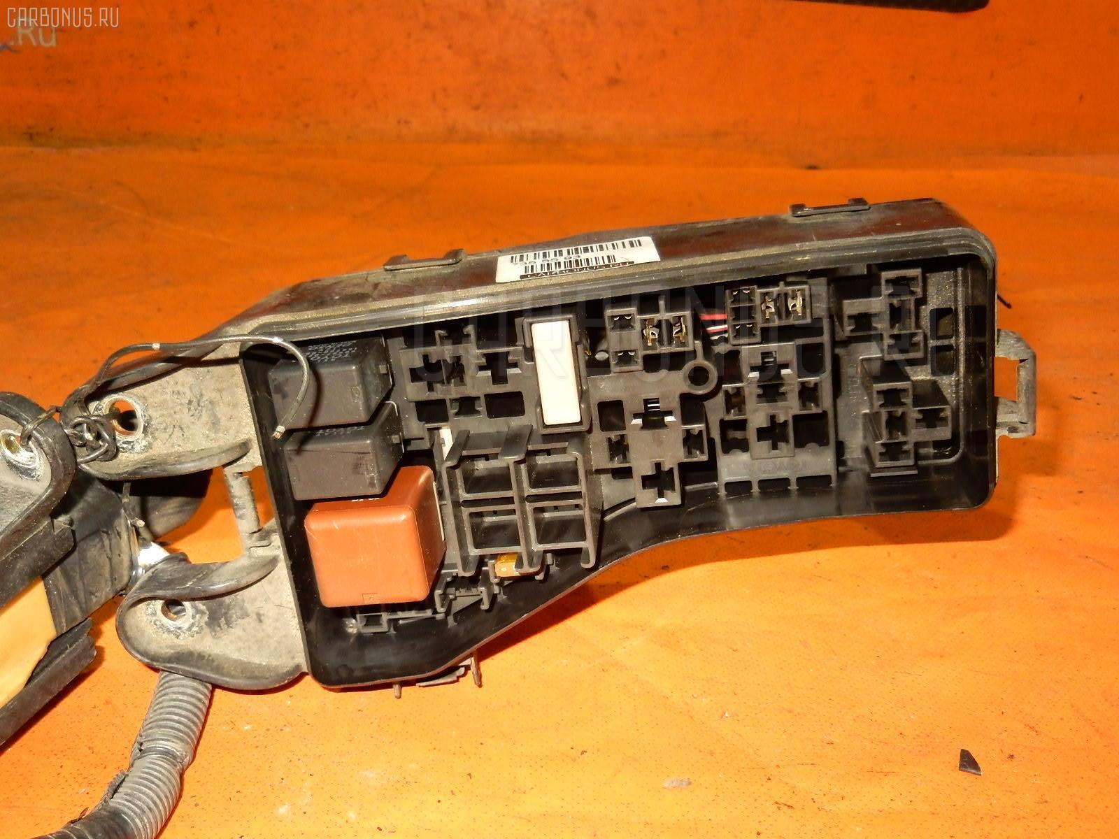 Блок предохранителей TOYOTA MARK II JZX110 1JZ-FSE Фото 1