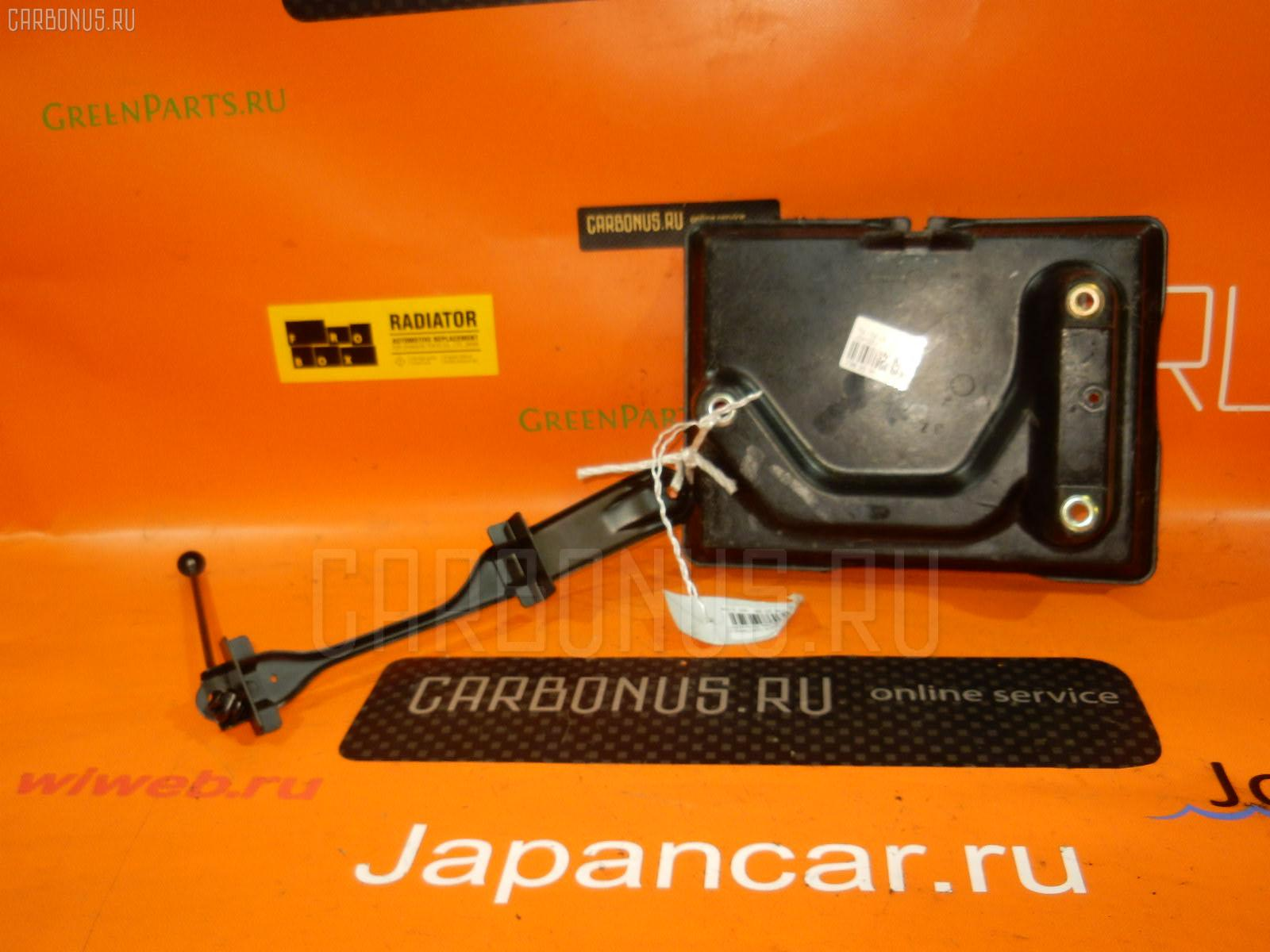 Подставка под аккумулятор TOYOTA CHASER JZX100. Фото 4
