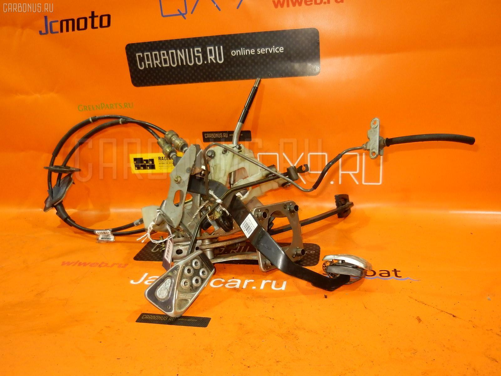 Тросик на коробку передач TOYOTA SPRINTER TRUENO AE111 4A-GE. Фото 2