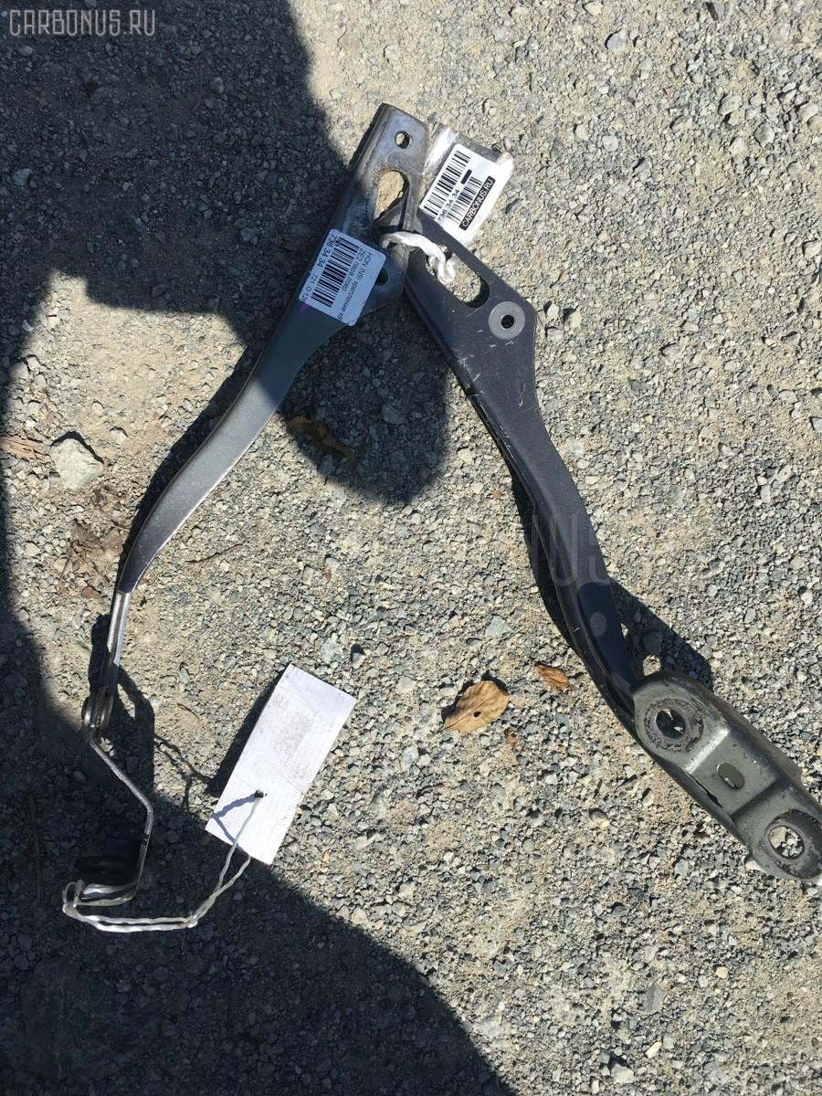 Крепление капота Honda Insight ZE2 Фото 1