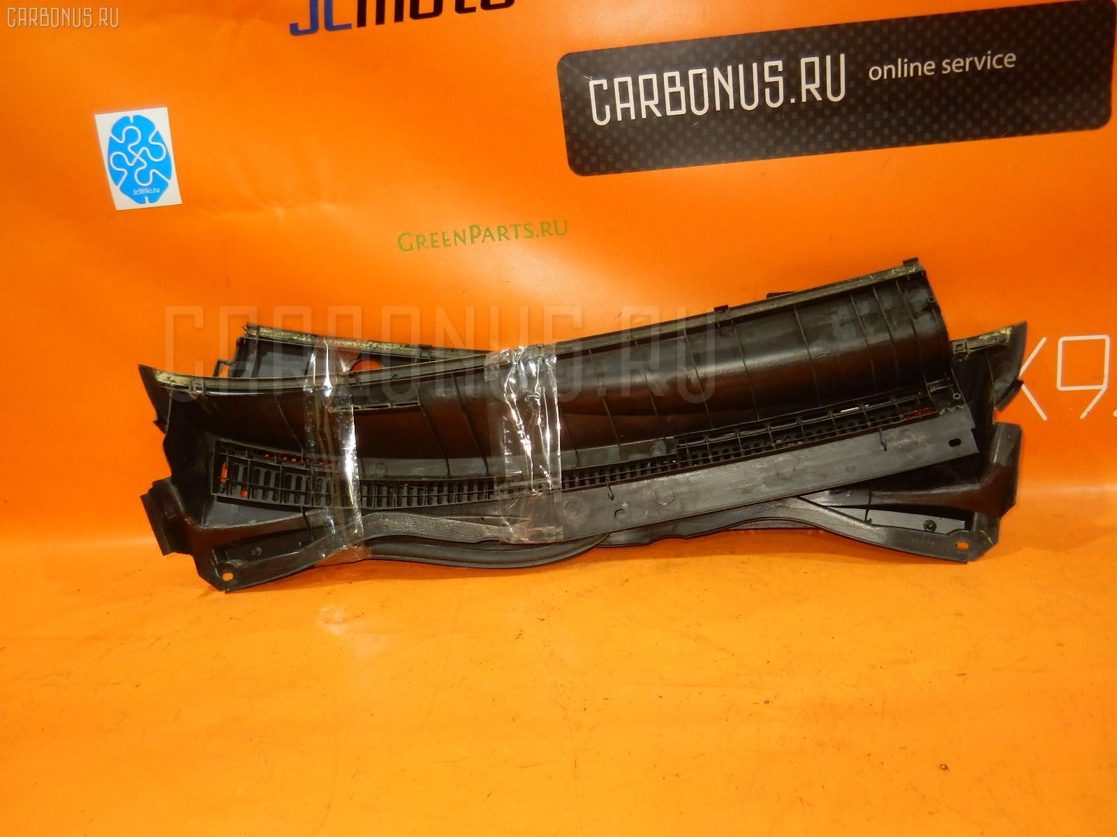 Решетка под лобовое стекло TOYOTA COROLLA RUNX NZE121. Фото 2