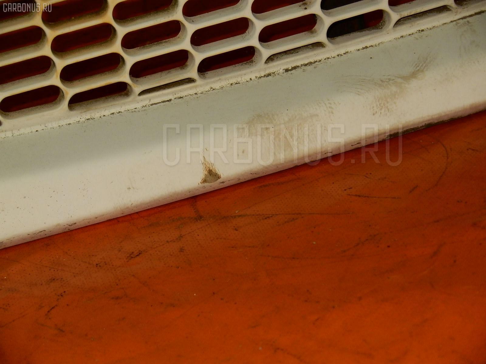 Решетка радиатора MITSUBISHI DELICA SPACE GEAR PD6W Фото 3