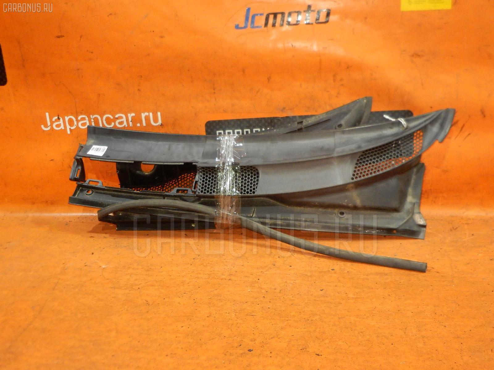 Решетка под лобовое стекло TOYOTA VITZ SCP10 Фото 2