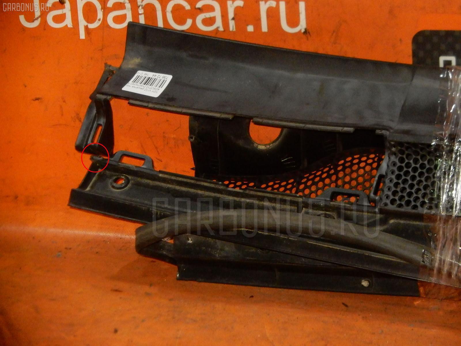 Решетка под лобовое стекло TOYOTA VITZ SCP10 Фото 1