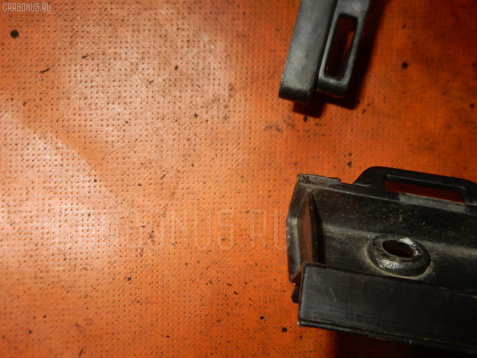 Решетка под лобовое стекло TOYOTA VITZ SCP10 Фото 3
