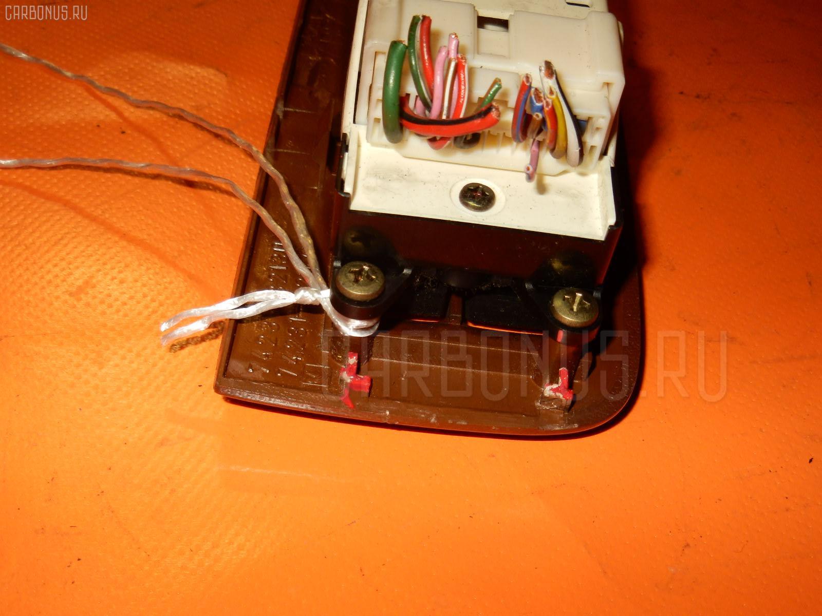Блок упр-я стеклоподъемниками TOYOTA VISTA SV40 Фото 3