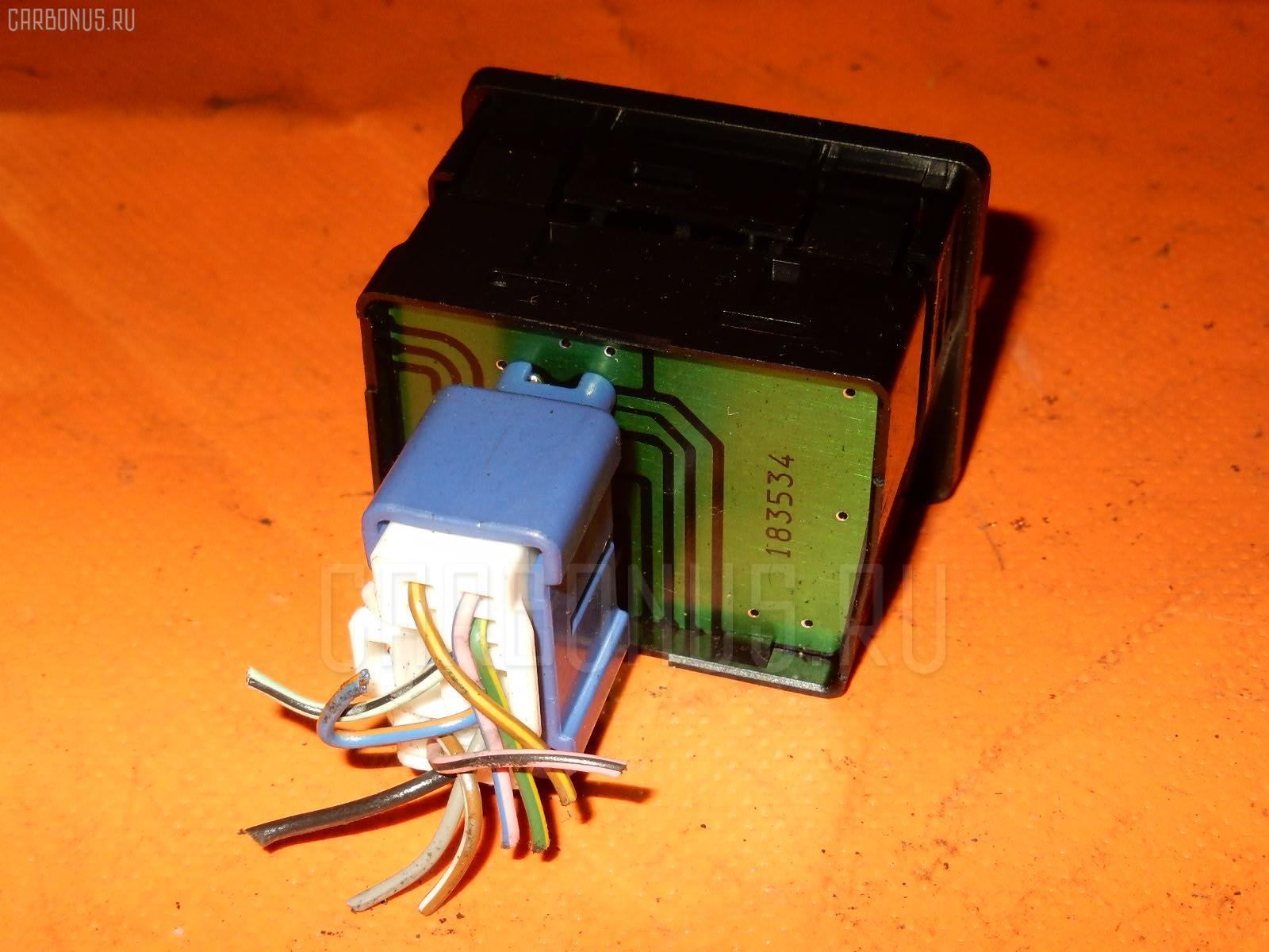 Консоль магнитофона TOYOTA MARK II JZX100 Фото 9
