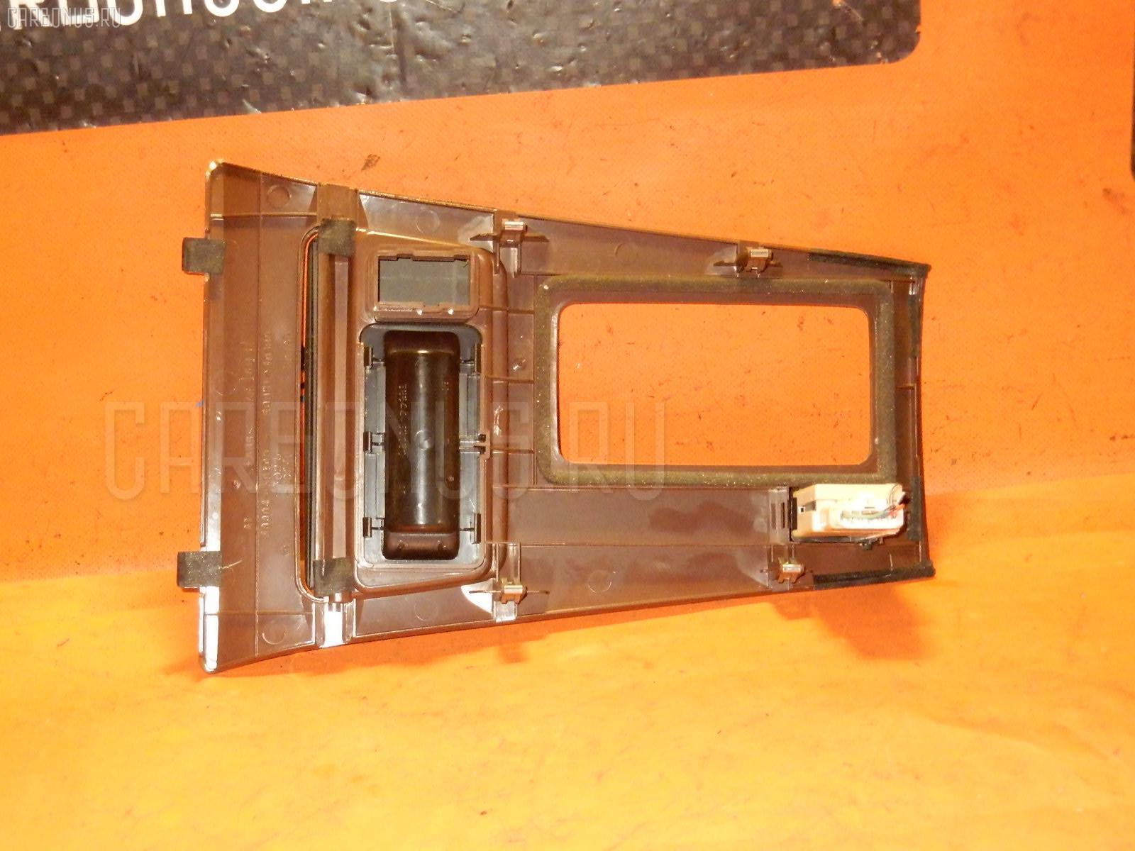 Консоль магнитофона TOYOTA CROWN JZS151 Фото 5