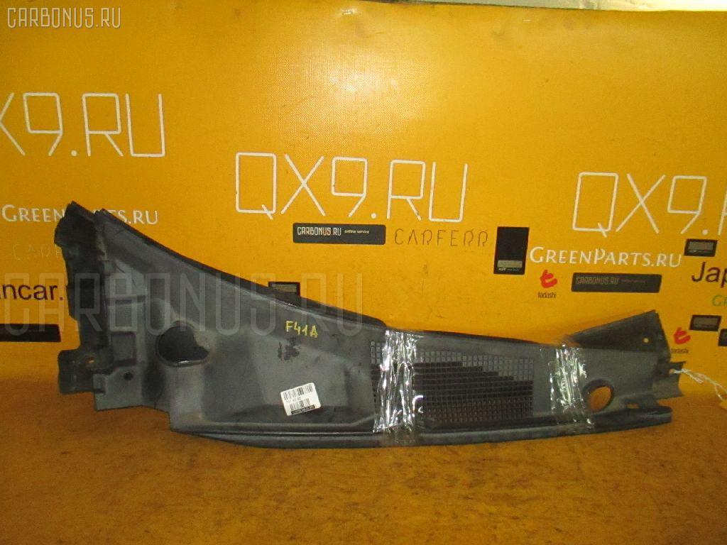 Решетка под лобовое стекло на Mitsubishi Diamante F41A Фото 1